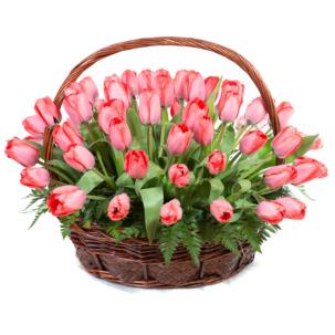 """Цветы в корзинке """"Розовые тюльпаны"""""""